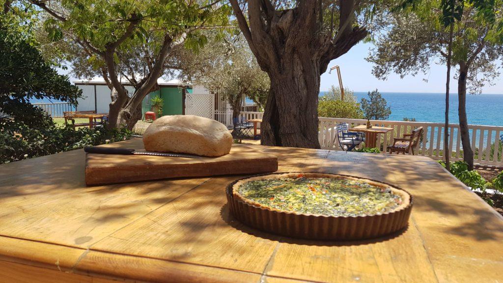 Loukoulos Samos Martahokampos Kampos Votsalakia Restaurant Tavern Sea view Sea view Tavern Wine Garden Table Kissloren Tart Vetables Bread Handmade
